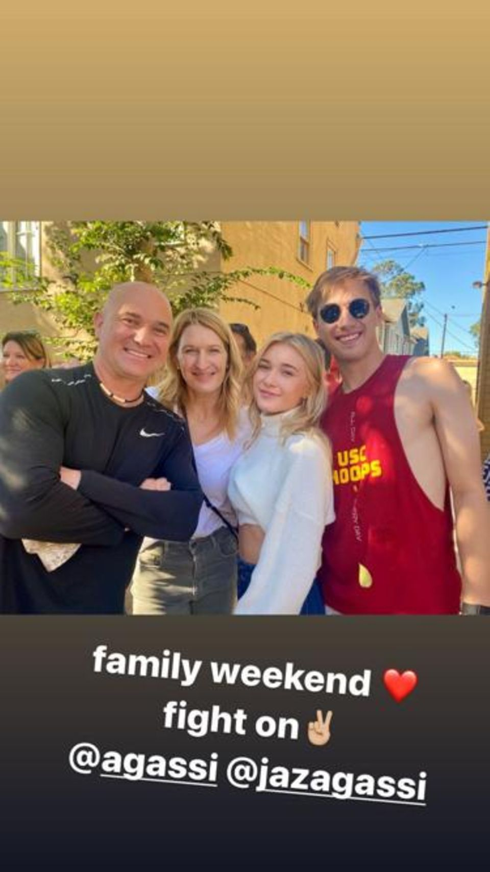 Jaden Agassi teilt via Instagram eine seltene Aufnahme mit seinen Eltern Andre Agassi und Steffi Graf sowie seiner Schwester Jaz