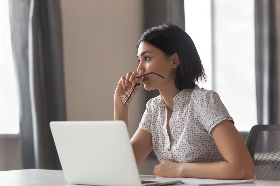 Durch das Ehegattensplittung und die damit verbundene Steuerlast entscheiden sich Frauen häufig für einen Minijob.
