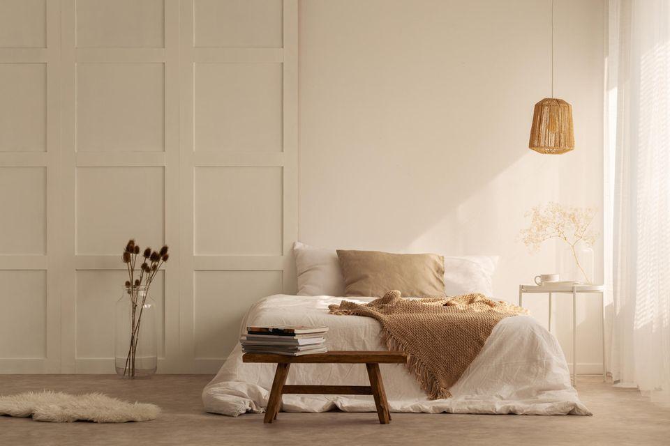 Wabi-Sabi: Ein puristisch eingerichtetes Wohnzimmer